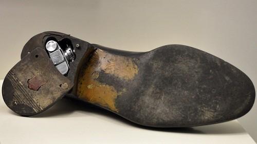 دوربین ریز و مخفی داخل کفش