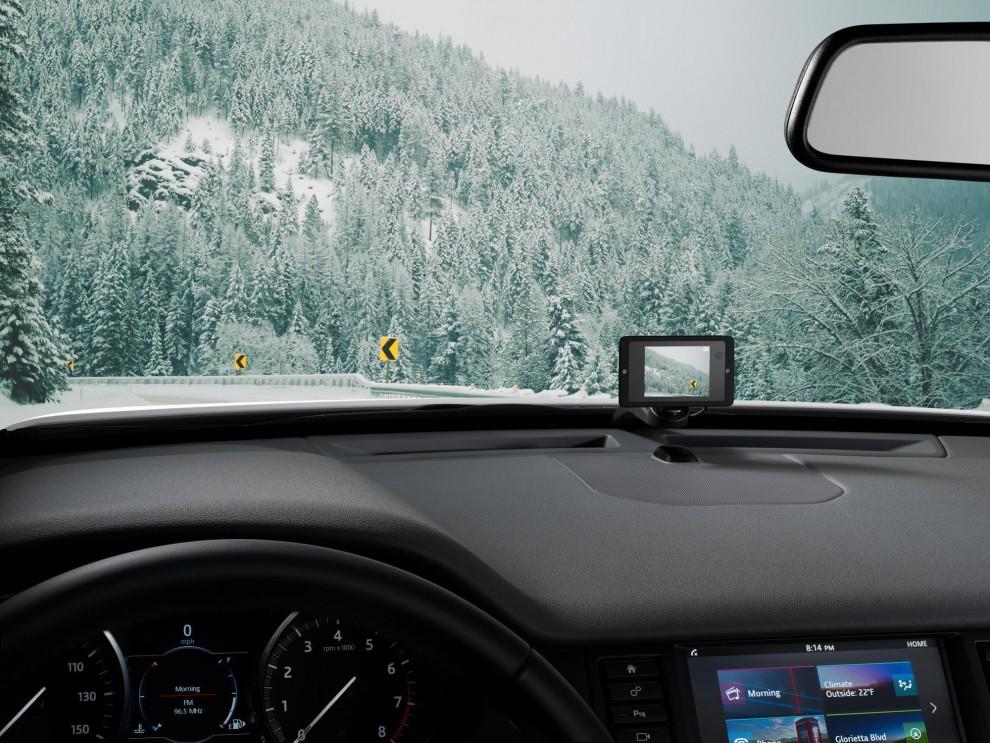 با دوربین خودرو D33 لحظه های زیبای خود را جاودان کنید ، و از مسافرت های خود فیلمبرداری نمایید