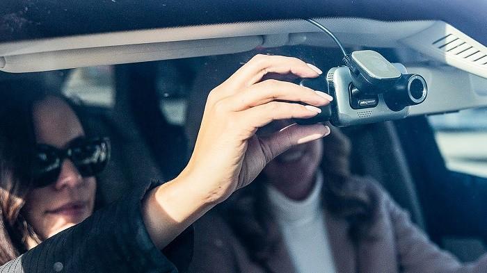 آیینه دوربین دار خودرو و ماشین